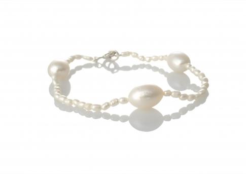 Гривна от ситни и едри, бели, естествени перли