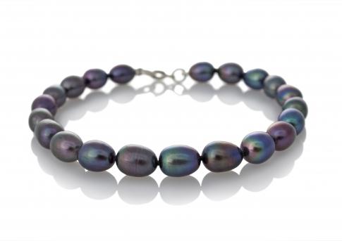 Гривна от черни, овални, естествени перли