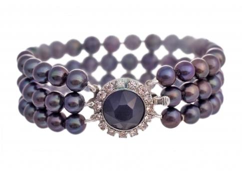 Елегантна триредна гривна с черни естествени перли