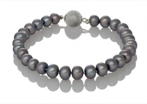 Гривна от графитеносиви, естествени перли