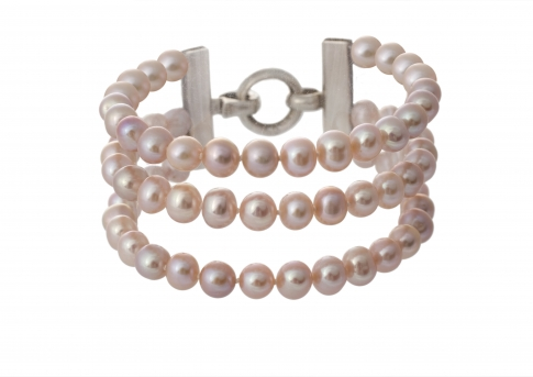 Гривна от три реда естествени, лилави перли и сребро