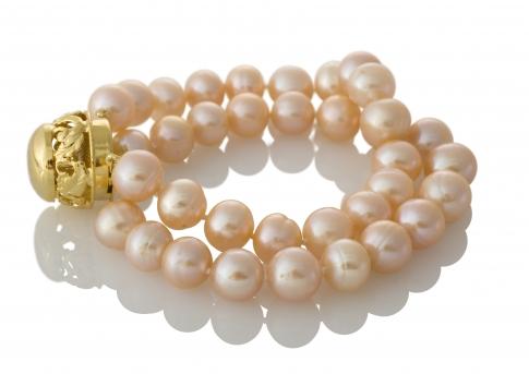 Красива, двуредна гривна с естествени, розови перли