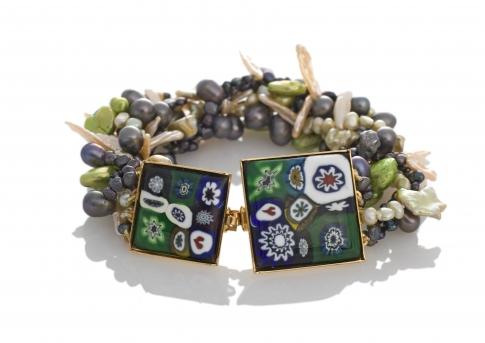 Многоцветна гривна от муранско стъкло и естествени перли