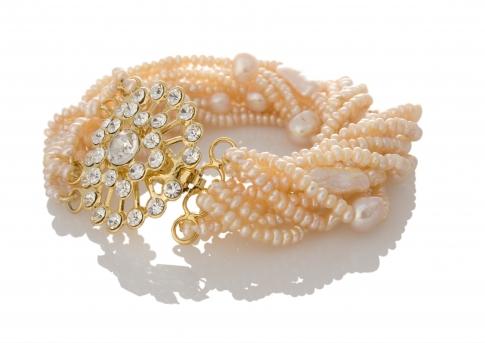 Нежна гривна от розови, естествени перли