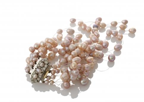 Богата гривна от естествени, лилави перли