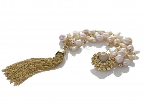 Гривна от естествени розови перли на сърмен конец
