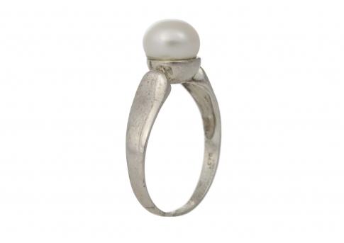 Класически пръстен от сребро или злато с естествена перла