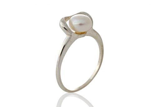 Елегантен пръстен от сребро и естествена, бяла перла