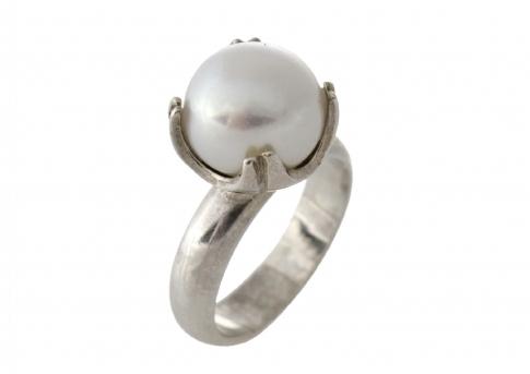 Пръстен от сребро и едра, бяла, естествена перла