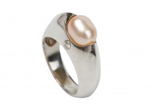 Сребърен пръстен с розова естествена перла и цирконии