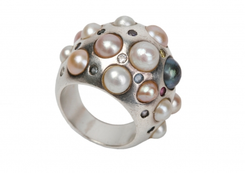Уникален перлен пръстен в сребро с различни перли и камъни