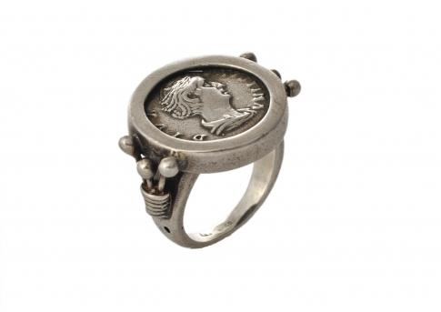 Античен сребърен пръстен Фаустина Млада