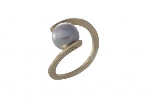 Авангарден златен пръстен с блестяща естествена перла