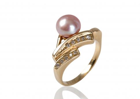 Красив, златен пръстен с циркони и естествена, розова перла