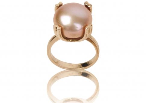 Елегантен класически златен пръстен с рядка голяма естествена перла