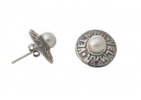 Обеци от сребро и естествени, бели перли