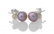 Нежни обеци с лилава, естествена перла и сребърен щифт