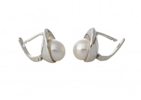 Красиви обеци от сребро и бяла, естествена перла