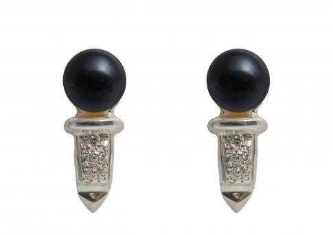 Нежни обеци с естествена перла, сребро и цирконии