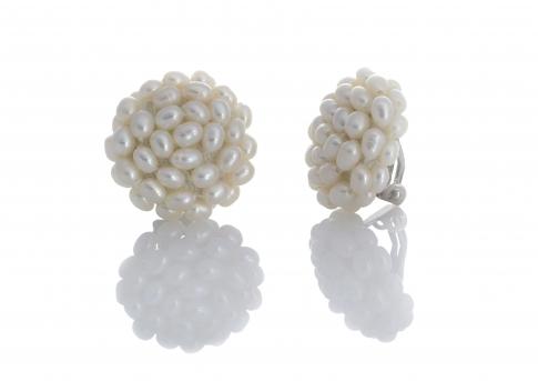 Плетени обеци с клипс от естествени, бели перли