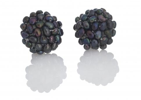 Плетени обеци с клипс от естествени, черни перли
