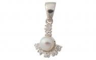 Висулка с нежна естствена бяла перла, сребро и циркони