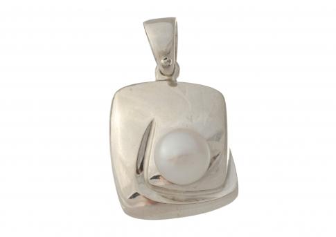 Сребърна висулка с едра естествена бяла перла