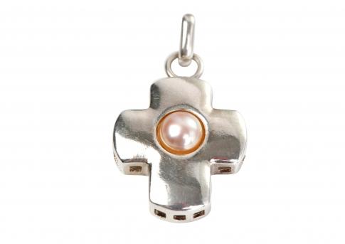 Сребърен кръст с нежна оранжева естествена перла