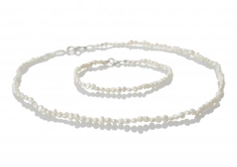 Комплект гривна и колие от нежни и естествени бели перли
