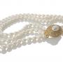 Триредно колие от едри бели овални перли и елегантна закопчалка 1