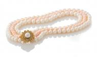 Красива триредна огърлица от бели и розови естествени перли