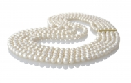 Петредно колие от кръгли бели естествени перли