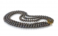 Три реда черни кръгли естествени перли и стилна закопчалка