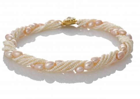 Красива огърлица от бели и едри, розови, естествени перли