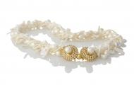 Усукано колие от бели, естествени перли в различна форма