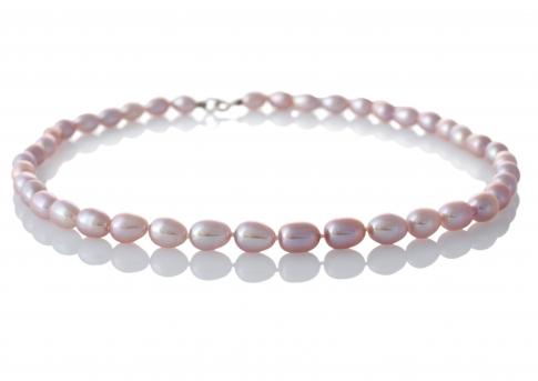 Изискано колие от естествени лилави перли в овална форма